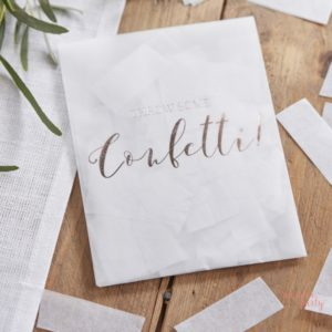 Sobre con confetti blanco lanza un poco de confetti para bodas Wonder Party barcelona