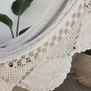 Hamaca hecha en crochet blanca ganchillo hecho a mano ecofriendly Wonder Party Barcelona