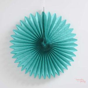 Abanico verde azulado papel de seda